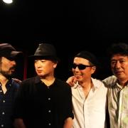 Blues'n curtain 5