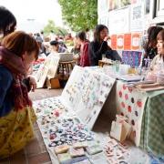 過去の芸術祭の様子、フリーマーケット