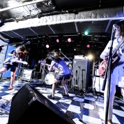 tricot(Photo by 釘野孝宏)